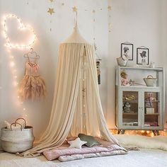 Good night and sweet dreams insta fam ⭐️ Love this room #inspiration #kidsroom #roominspiration #kidsroominspiration #tent #interiordesign