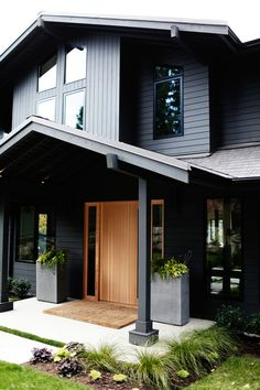 425 Magazine Idea House | Oregon Tile & Marble