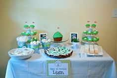 Golf party - golf cupcakes