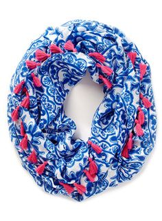 Lilly pulitzer infinity scarf pooling around X Lilly Pulitzer Accessories Scarves & Wraps Preppy Girl, Preppy Style, Girly Girl, My Style, Loop Scarf, Scarf Wrap, Down South, Spring Outfits, Preppy Outfits