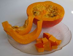 RED KURI squash, with carbs comparable to pumpkin Carbs In Acorn Squash, Pumpkin Recipes, A Pumpkin, Red Kuri Squash, Butternut Squash, Squash Seeds, Low Carb Veggies, Low Carb Side Dishes, High Protein Low Carb