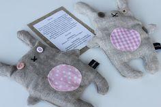 MakaMarr: Joululahjoja ja pieniä viemisiä Fabric Animals, Plush Animals, Diy Projects To Try, Projects For Kids, Sewing For Kids, Diy For Kids, Softies, Plushies, Diy Toys