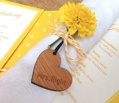 Gastgeschenke - Gastgeschenk Tischkarte Holzherz mit Gravur - ein Designerstück…