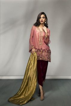 Mina Hasan's Luxury Pret Collection for Eid 2018 – Niftilicious Shadi Dresses, Pakistani Formal Dresses, Pakistani Wedding Outfits, Pakistani Dress Design, Indian Dresses, Indian Outfits, Bridal Outfits, Desi Wedding Dresses, Party Wear Dresses
