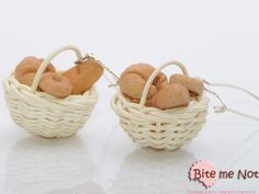 Baskets with baguette, croissant and cookie -Silver plated hooked earrings!  -Wooden baskets with baguette, croissant and cookie!