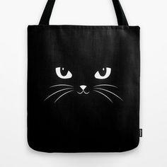 Se você ama costurar e adora gatinhos, esse post é especialmente para você! Aqui você poderá se inspirar em algumas peças fofinhas de gatinhos. Nesse post você encontra desde máscara de dormir em formato de orelhas de gatinho, bolsas criativa com desenho de gato, pesinho de porta e outros. Vamos lá? Bolsa com gatinho 3D:…