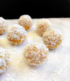 Lemon Creamcheese Bliss Balls Recipe : An absolutely mouthwatering and creamy dessert balls that's made in 10 minutes. Perfect for any party.