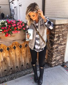 Early Fall Outfit Ideas You Must Try – JANDAJOSS.ME Fall fashion outfits ideas cute and chic winter outfits ideas 2020 Cute Fall Outfits, Fall Winter Outfits, Autumn Winter Fashion, Winter Clothes, Winter Style, Cute Fall Clothes, Rainy Day Outfit For Fall, Layering Clothes Fall, Halloween Outfits