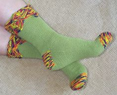 Cut Your Teeth multi-colored sock pattern Knitting Designs, Knitting Projects, Crochet Projects, Knitting Patterns, Fun Patterns, Knitting Socks, Baby Knitting, Knit Socks, Free Knitting
