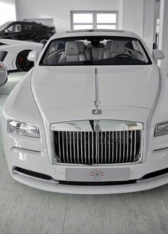 23 Superb White Rolls Royce Photos You Will Love! - 23 Superb White Rolls Royce Photos You Will Love! 23 Superb White Rolls Royce Photos You Will Love! Maserati, Bugatti, Ferrari F40, Lamborghini Gallardo, Dream Cars, My Dream Car, Sexy Cars, Hot Cars, White Rolls Royce