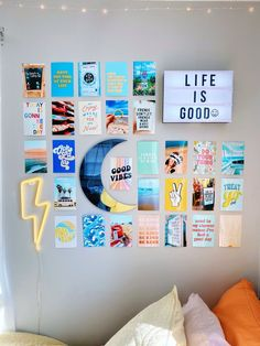Cute Room Ideas, Cute Room Decor, Teen Wall Decor, Teenage Room Decor, Teenage Bedrooms, Dorm Room Designs, Bedroom Designs, Dorm Walls, Tumblr Rooms