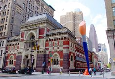 PAFA Keeps Chuck Close Show on View, Plans Exhibition About Gender and the Workplace in Response to Allegations Against Artist -ARTnews Museum Of Fine Arts, Museum Of Modern Art, Art Museum, San Francisco Museums, Land Art, Art Market, American Artists, Art Google, Art World