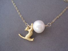 Cat Pendant  Cat Lover Necklace  Pearl Necklace  Cat by trudyjames, $45.00. I dont like the gold though