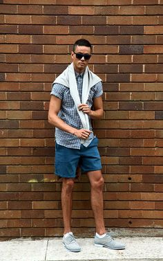 A photoshoot I did as part of a collaboration with Zu Shoes for their 'Hot off the Press' campaign. ZU SHOES Persia leather shoes - NEUW jumper - HARDY AMIES s/s shirt - A. BRAND shorts - MARC BY MARC JACOBS sunglasses. Photography by Fernando Barraza