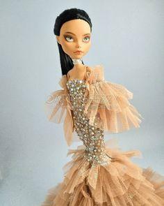 Monster High Clothes, Monster High Dolls, Monster High Repaint, Custom Dolls, Kim Kardashian, Art Dolls, Barbie, Princess Zelda, Fictional Characters