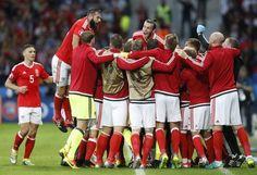 Уельс сенсаційно вибив Бельгію і зіграє в півфіналі Євро-2016.  У чвертьфінальному матчі Євро-2016 збірна Уельсуобіграла з рахунком 3:1 збірну Бельгії. #WZ #Львів #Lviv #Новини #Спорт  #Євро_2016 #Португалія__Польща