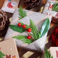 Wrapping ideas on the blog tonight (better late than never!) Happy holidays everyone!