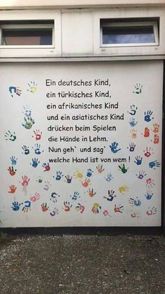 A German child a Turkish child an African child and one African Children, Susa, School Classroom, True Quotes, Kids And Parenting, Beautiful Words, Kindergarten, About Me Blog, Teaching