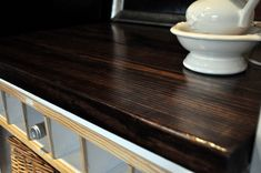 DIY WOOD COUNTERTOP....  WOW!  This is awesome!  Going to make one of these...  For what?  I don't know yet, but I'm going to make something with a countertop!  :)