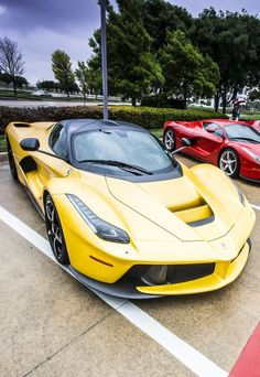 Ferrari LaFerrari's                                                       …  Astonishing direction