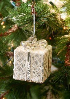 http://christmas4u.tumblr.com/post/106048570024/seasonalwonderment-christmastime