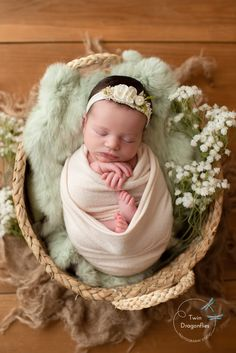 Baby Shower Pictures, Cute Baby Pictures, Newborn Pictures, Newborn Photography Tips, City Photography, Baby Girl Newborn, Newborn Shoot, Baby Boy, Born Baby Photos