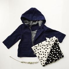 Blanket and twill coat weather  #tinycottons #rufusandmurdog #kids #kidsfashion #twilljacket by rufusandmurdog