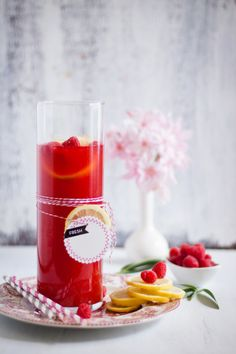 Raspberry Lemon Ice Tea by Sunshine and Smile    http://www.sunshineandsmile.com/2012/08/20/raspberry-lemon-iced-tea/#
