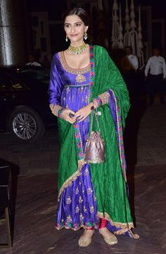 Sonam Kapoor at Shahid Kapoor and Mira Rajput's wedding reception. #Bollywood #ShahidMiraReception #ShahidKiShaadi #Fashion #Style #Beauty #Ethnic #Desi