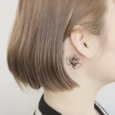 Adorable Behind The Ear Tattoos for Girls: Getting a tattoo behind you ear might sound a little useless as this might not show off but it is very trendy now days. There is also very less pain in getting a tattoo behind the ear so why not give it a try. Behind the ear tattoo designs showcased below are my all-time favorite.