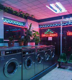 Neon lights laundromat at night sci fi aesthetic In Der Disco, Neon Aesthetic, Night Aesthetic, Urban Aesthetic, Diner Aesthetic, Violet Aesthetic, Gothic Aesthetic, Music Aesthetic, Aesthetic Beauty