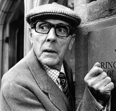 Eric Sykes as Louis Larkin from the Obernewtyn Chronicles British Comedy, British Actors, British Sitcoms, American Actors, Comedy Actors, Actors & Actresses, Eric Sykes, Stylish Men, Men Casual