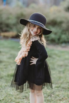 This adorable bohemian chic look melts our hearts. Trendy Girl, Black Fabric, Jade, Girls Dresses, Hearts, Hipster, Bohemian, Chic, Stuff To Buy
