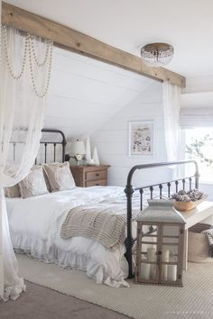 and Cream Christmas Bedroom This cozy master bedroom is beautifully decorated for Christmas with soft neutrals and tons of farmhouse charm.This cozy master bedroom is beautifully decorated for Christmas with soft neutrals and tons of farmhouse charm. Beautiful Bedrooms Master, Cozy Master Bedroom, Honeymoon Bedroom, Modern Bedroom, Farmhouse Guest Bedroom, Christmas Bedroom, Bedroom, Bedroom Refresh, Home Bedroom