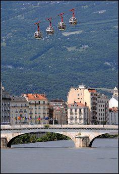 Grenoble ~