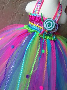 88 of the Best DIY No-Sew Tutu Costumes - DIY for Life  Candy Fairy. Candy Princess
