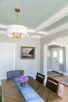 Craftsman House Makeover: Accent Ceiling with Clare Paint Interior Design Blogs, Home Decor Trends, Home Decor Inspiration, Decor Ideas, Design Inspiration, Neutral Dining Room Paint, Chandeliers, Accent Ceiling, Classic Dining Room