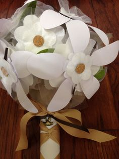 Sweet rustic rehearsal bouquet, just add good wishes to the petals. Rehearse you big day with a handful of good wishes! #petalwishes #rehearsal #rehearsalbouquet