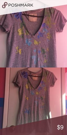 Hollister v-neck tshirt Really soft, light material. In great condition Hollister Tops Tees - Short Sleeve