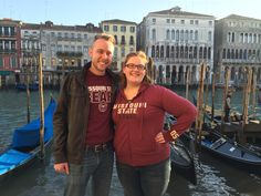 Students Nick Elliott and Kate Davis tour Venice, Italy in their best BearWear.