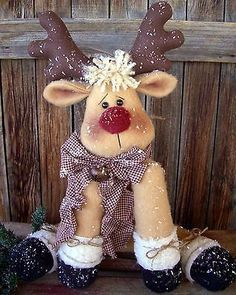 Rudy Reindeer Pattern is a 21 Sitting Reindeer Christmas Makes, Noel Christmas, Primitive Christmas, Christmas Ornaments, Reindeer Christmas, Christmas Projects, Felt Crafts, Holiday Crafts, 242