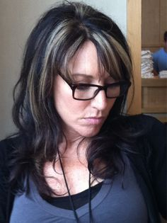 Katey Sagal Sons of Anarchy Hair Black Hair With Grey Highlights, Silver Hair Highlights, Gemma Teller Hair, Katey Sagal, Transition To Gray Hair, Hair Color For Women, Pretty Hairstyles, Men's Hairstyle, Funky Hairstyles