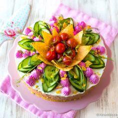 Kasvisvoileipäkakku Salsa, Strawberry, Birthday Cake, Pudding, Table Decorations, Fruit, Tableware, Desserts, Food