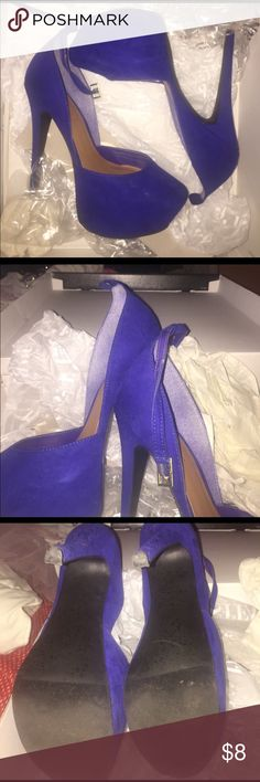 Royal blue heels Royal blue heels. Worn once, so in like new condition. One of the ankle straps is missing. But can be worn without. ✨Still up for grabs!✨ JustFab Shoes Heels
