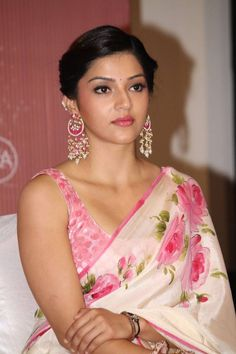 Mehreen Kaur Stills At Tamil Movie Press Meet - Actress Doodles Beautiful Girl Indian, Beautiful Girl Image, Most Beautiful Indian Actress, Beautiful Saree, Beautiful Gorgeous, Beautiful Ladies, Cute Beauty, Beauty Full Girl, Beauty Women