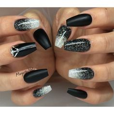 Ombre nails are everywhere these days. Ombre nails are eye-catching and personalized, and can be subtle as you want. I like a soft pastel ombre fade that is suitable for everyday use or glitter ombre nails for special occasions such as weddings. Black Ombre Nails, Black Coffin Nails, Black Acrylic Nails, Matte Black Nails, Black Nails With Glitter, Acrylic Nails Glitter Ombre, Nail Black, Black Acrylics, Trendy Nails