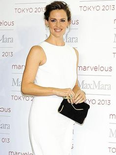 Konichiwa! Jennifer Garner looks white-hot during a photo call for Max Mara (she's a spokesperson for the brand) at Tokyo's Ryogoku Kokugikan arena. http://www.people.com/people/gallery/0,,20752711,00.html#30047619