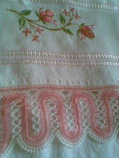 Hairpin lace as a border. pembe beyaz  firkete işi havlu danteli