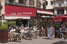 (1)L'ORIGINAL CAFE DE PHARES..........(2) Were you waling around Paris looking for a cafe? Well go only to the best at Cafe de Phares.........(3) Cafe de Phares is a express cafe located in Paris. It is your one stop shop for a quick beverage or snack foods. Its known for its Coffee Chez Oscar, it is supposed top be the best in France.....(4) Deepak Mirchandani