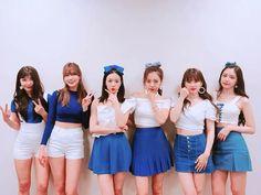 Apink Asia Tour in HongKong Kpop Girl Groups, Korean Girl Groups, Kpop Girls, Pink Outfits, Casual Outfits, Dope Outfits, Eunji Apink, Korean Friends, Son Na Eun